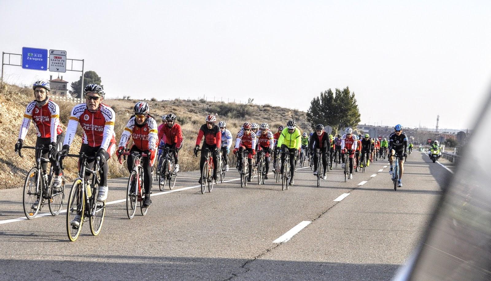 Salida a Dorleta junto a otros clubes de Zaragoza y provincia como protesta reivindicativa sobre los accidentes en bicicleta, atropellos y seguridad vial.